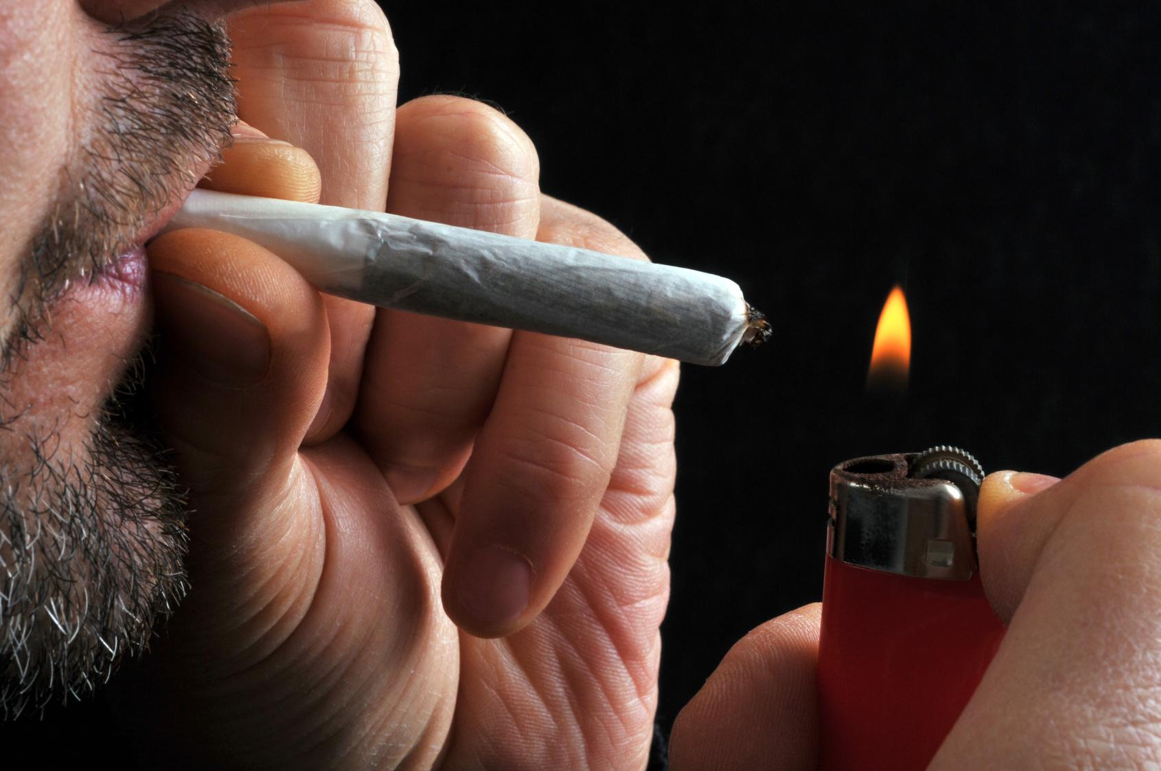 Joint anzünden