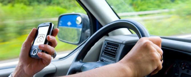 SMS schreiben beim Autofahren